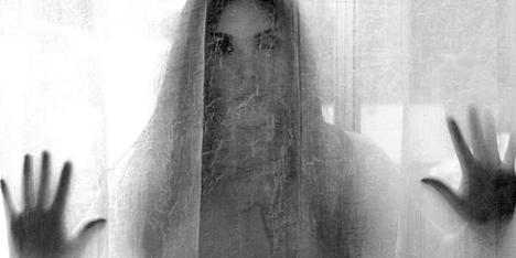 ilustrasi hantu noni belanda