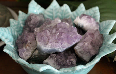 amethyst in a blue bowl