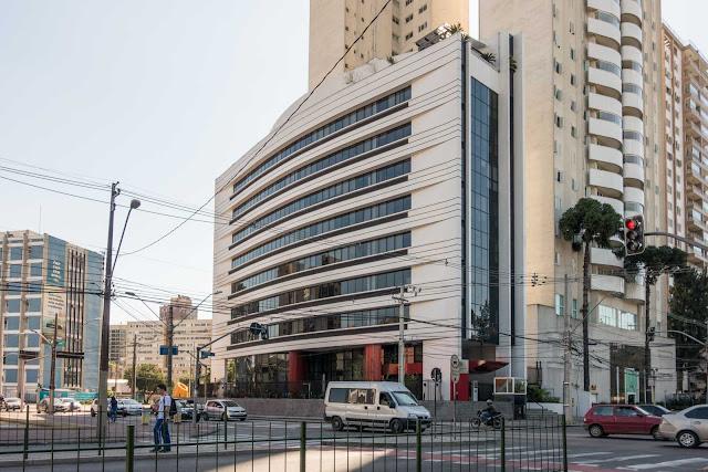 Escritório central da Philip Morris Brasil em Curitiba