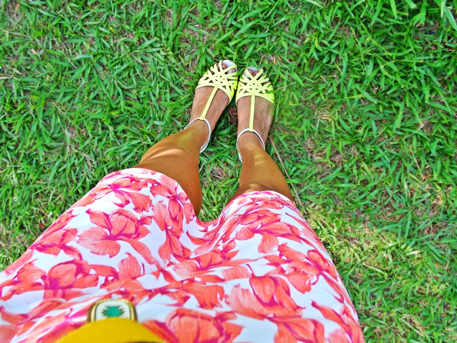 blog Gleikka, look Gleikka, vestidinho de verão, vestido estampado, look fresco, look do dia, look colorido e divertido, sandália vizzano