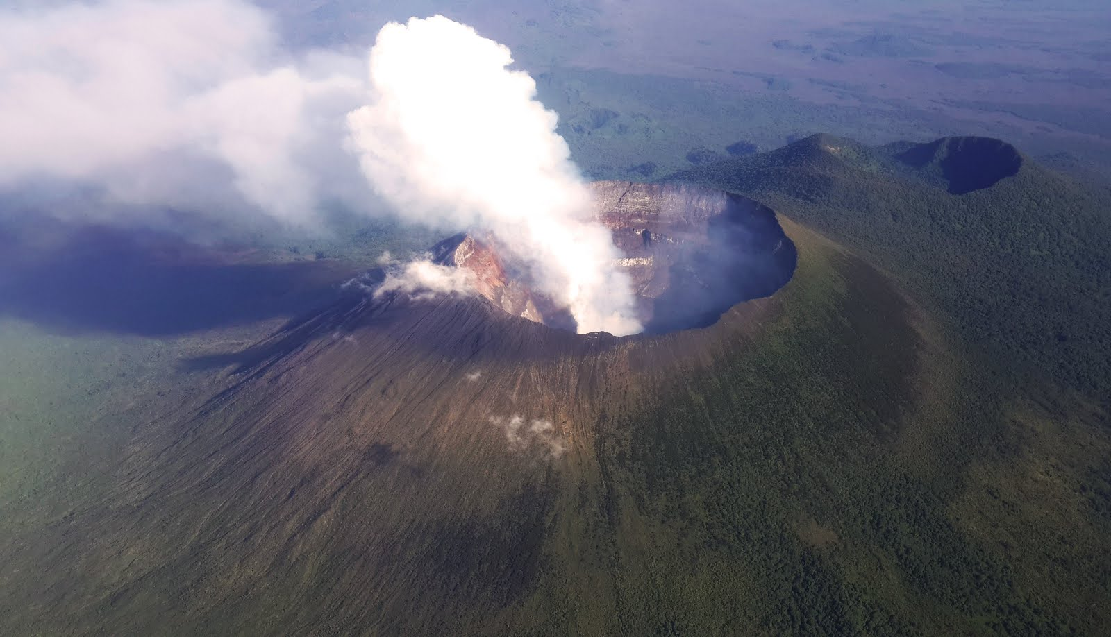 Democratic Republic of the Congo's Nyiragongo volcano is releasing up to 50,000 tonnes of polluted