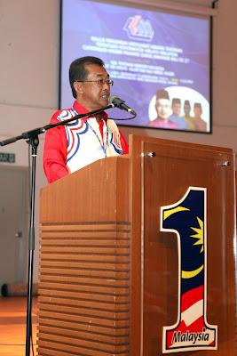 Persatuan Kontraktor Melayu Malaysia cawangan Kedah (PKMM) mendakwa hanya kira-kira 40 peratus daripada lebih 1,600 anggotanya berjaya manakala bakinya dalam keadaan tenat dan ada yang telah gulung tikar.