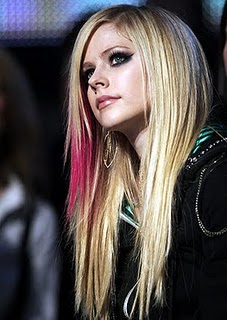 celebrity avril lavigne emo blonde