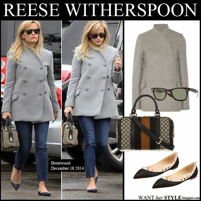 Reese Witherspoon in grey Proenza Schouler coat, black Valentino flats, black Ray-Ban sunglasses and canvas Gucci bag want her style december 18