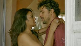 0007215550749 34 di37 Dira Paes em cenas de sexo em Amores Roubados