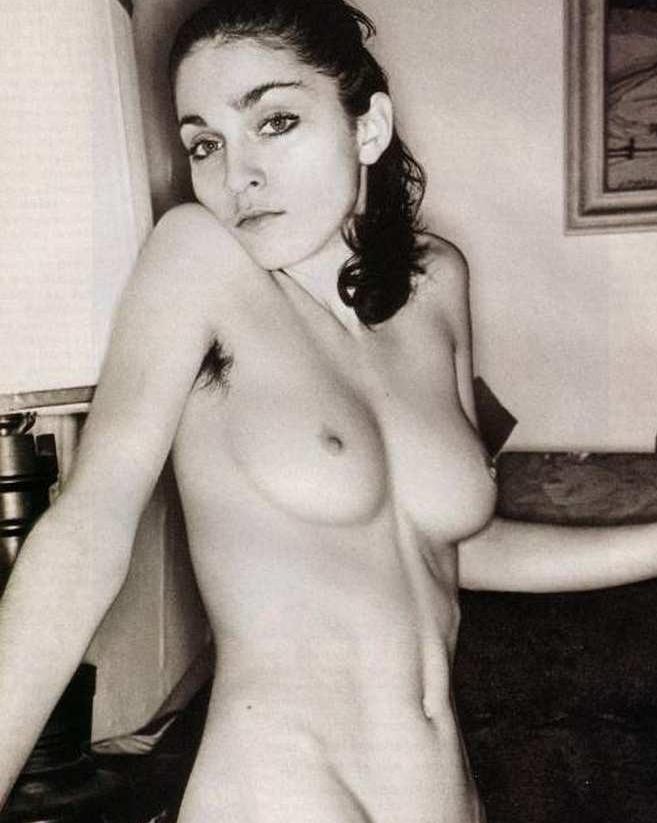 Мадонна шокировала поклонников фото в стиле ню
