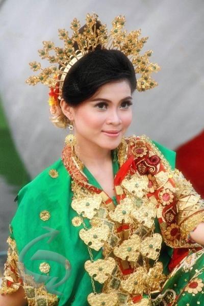 Bodo Baju Adalah Pakaian Tradisional Perempuan Bugis Sulawesi