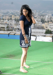 0003 WWW.BOLLYM.BLOGSPOT.COM Actress Shriya Saran Spicy Legs Show in Micro Mini Jeans from Nuvva Nena Telugu Movie Picture Posters Stills Image Wallpaper Gallery.jpg