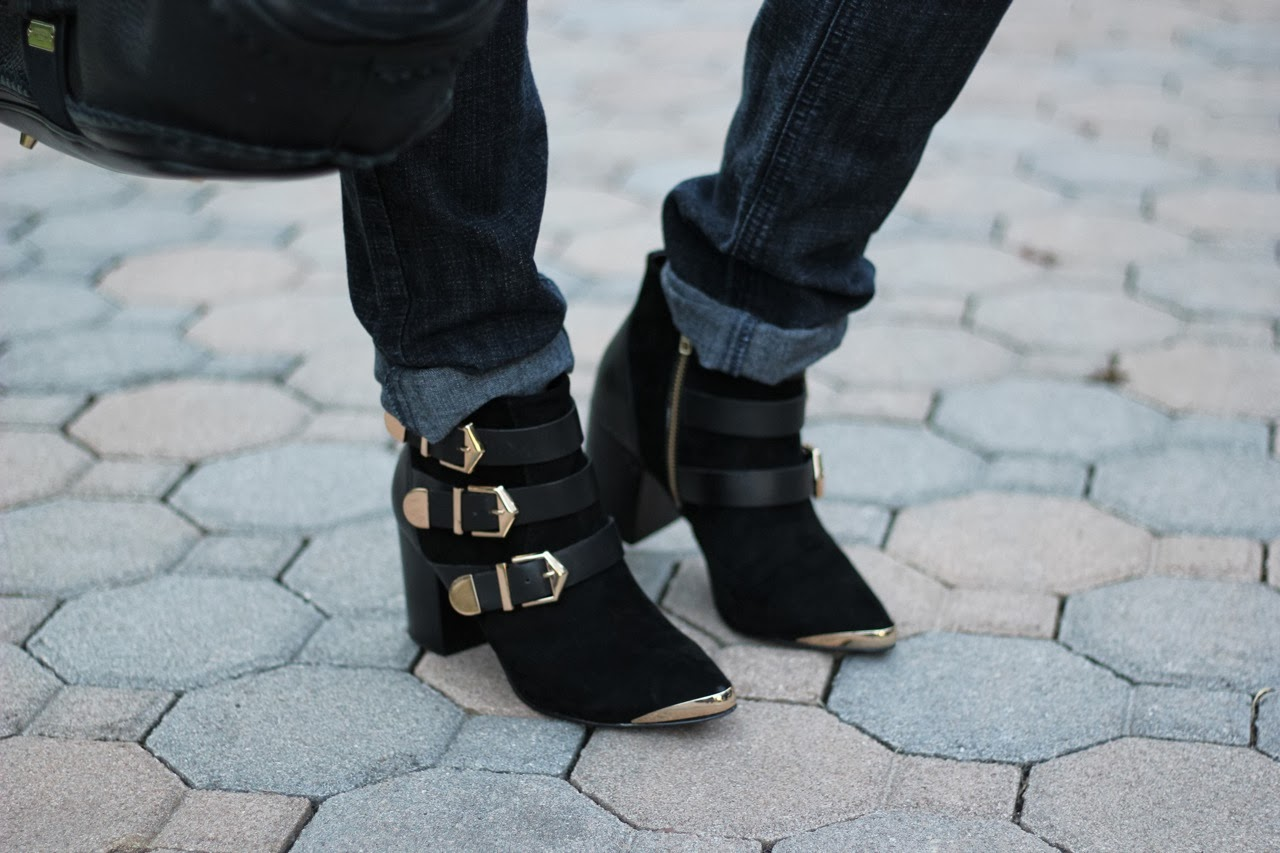 Report Signature fairfield gold buckle booties