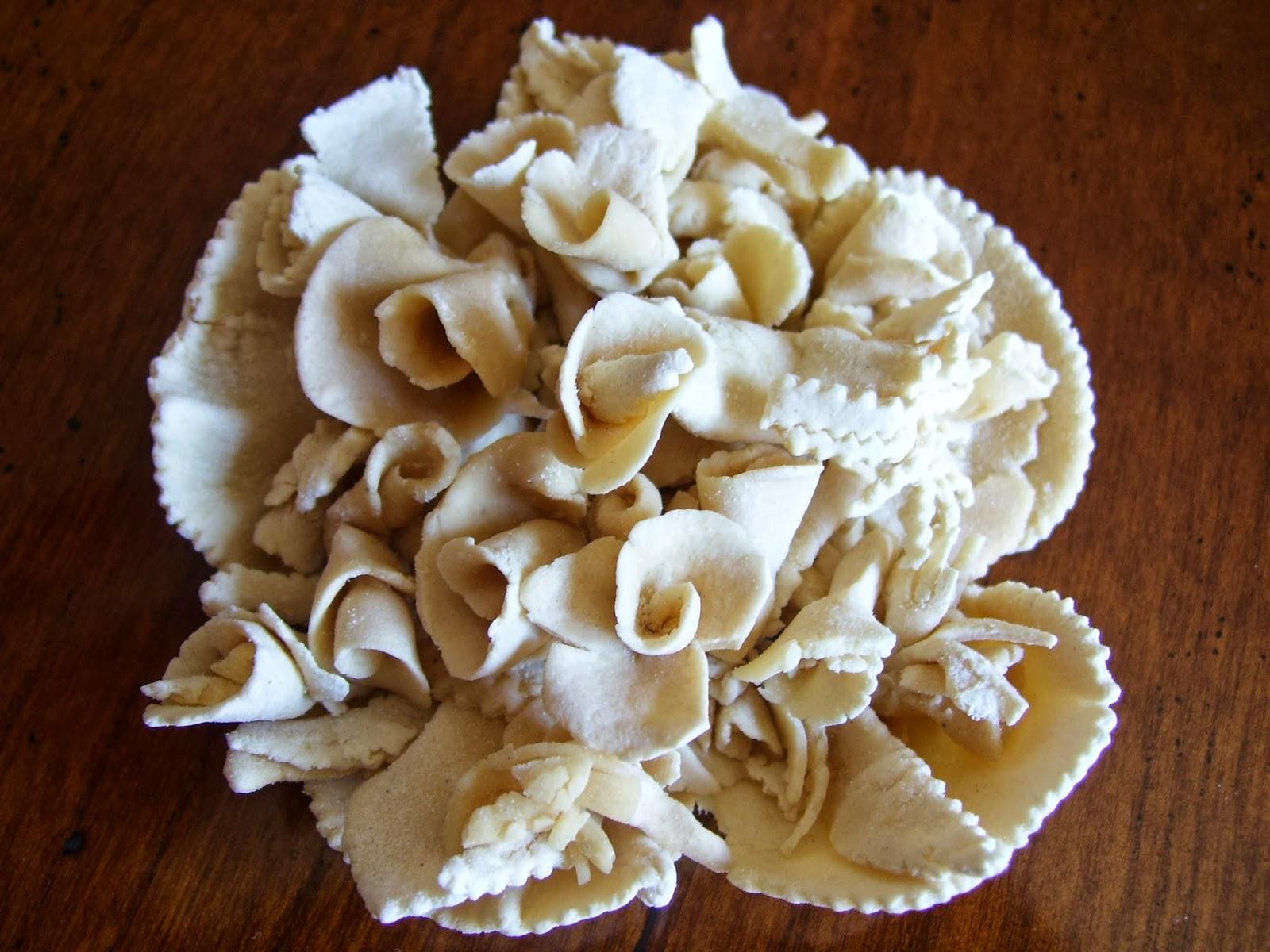 Travelogue sardinia italy il pane rituale degli sposi for Degli sposi