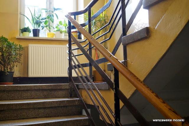 Warszawa Warsaw kamienica Ochota schody poręcz klatka schodowa