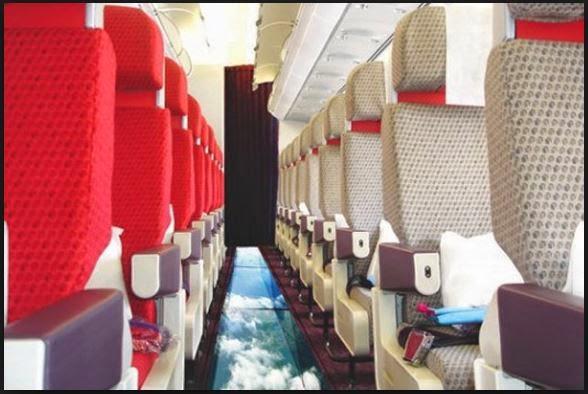 Avión de pasajeros con suelo transparente .Te gusta la idea?
