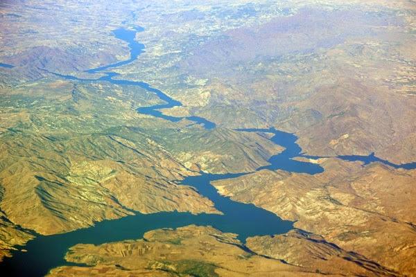 Gunung Emas dari Sungai Eufrat