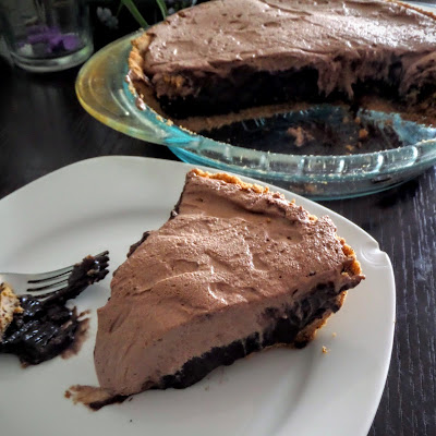 Double Chocolate Pie:  Dark chocolate pudding in a Kona coffee graham cracker crust topped with chocolate whipped cream.  A pie for chocolate lovers.