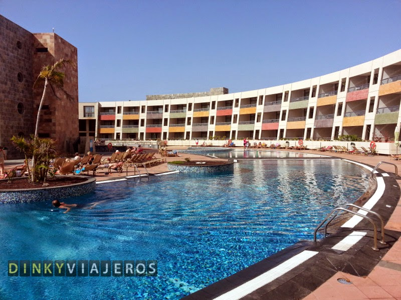 Hotel Geranios Suites and Spa 4* (Fuerteventura). Piscina principal