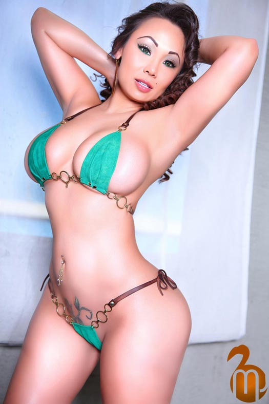 Suziq Wants It In http://allhiphopsports2.blogspot.com/2011/03/honeys-of-week-laura-dore-karina-lopez.html