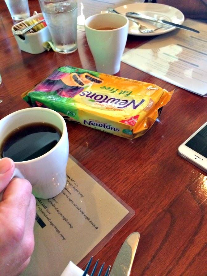 The Holland House: Napa breakfast