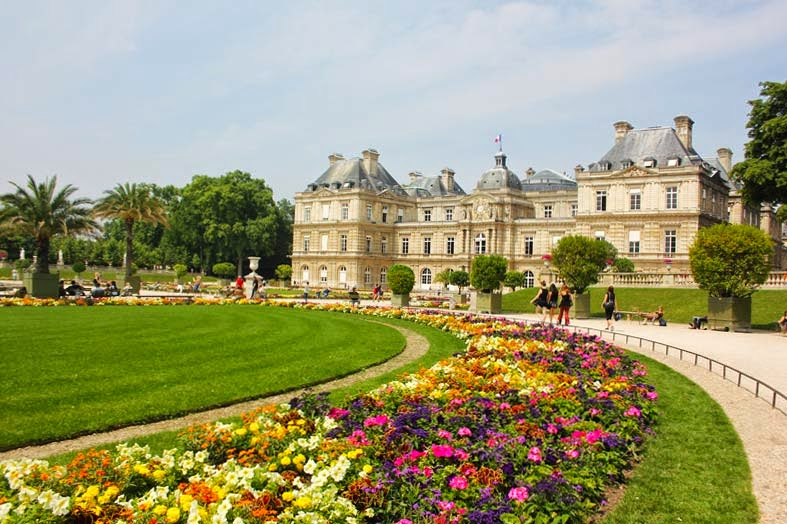 Day one in paris luxembourg palace gardens amie hu for Cafe jardin du luxembourg
