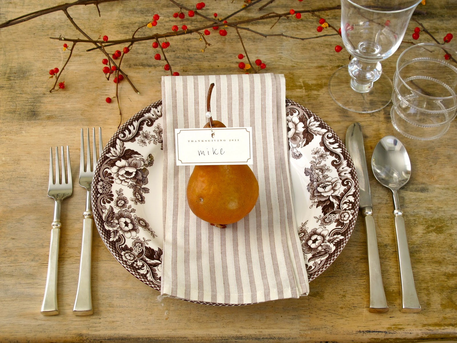 Jenny Steffens Hobick Thanksgiving Table  Pears Bittersweet Velvet \u0026 Linen & Jenny Steffens Hobick: Thanksgiving Table : Pears Bittersweet ...