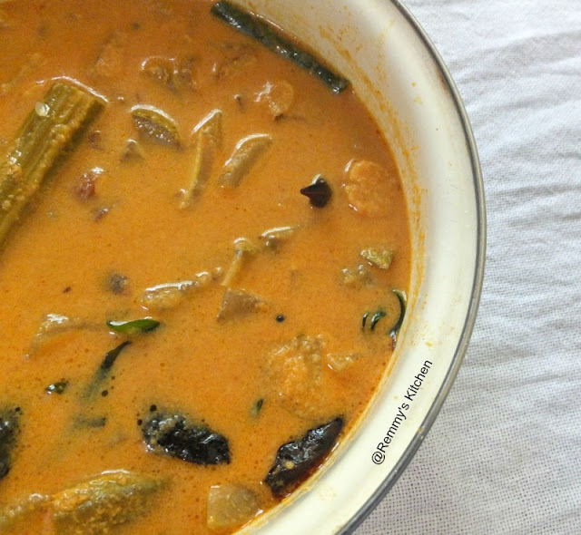 Chakkakuru manga murikka curry / Jack fruit seeds,mango and drumstick in coconut gravy