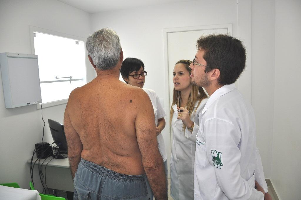 UNIFESO atende mais de cem pessoas em campanha de prevenção ao câncer de pele