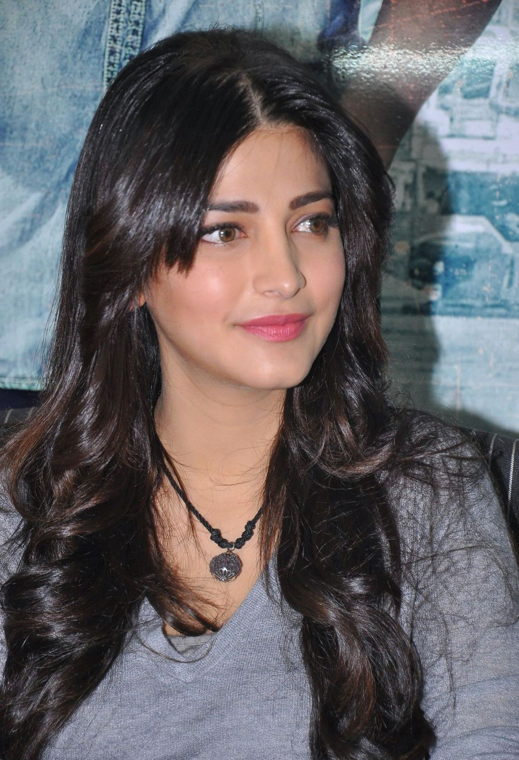 Shruti Haasan South indian Actress in MT WIKI Top 10 Bollywood Actress List, photo