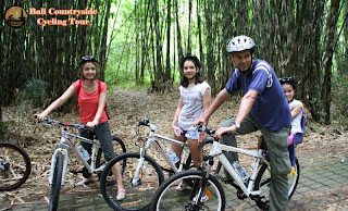 Family cycling in Bamboo Forest - Bali Countryside Cycling Tour Tracks