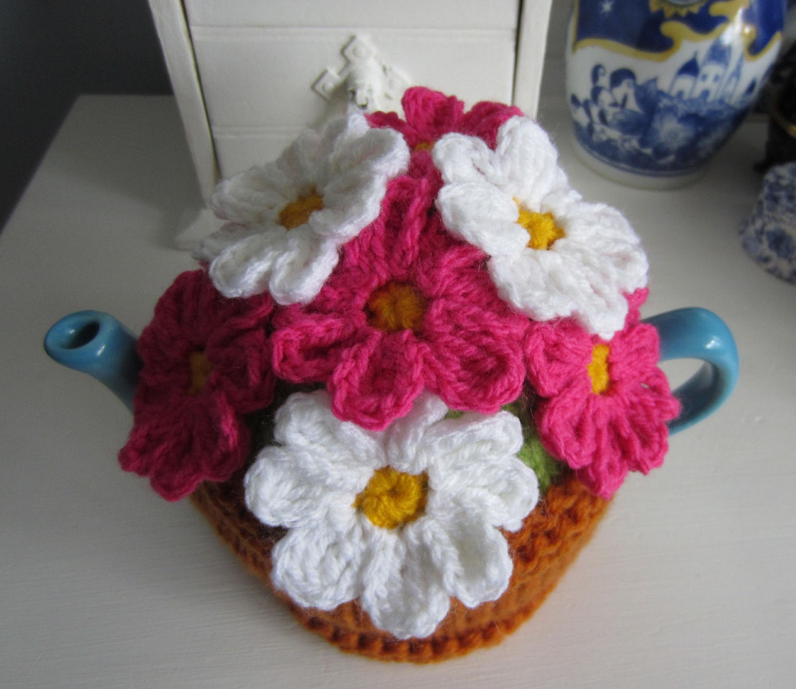 Justjen Knitsstitches Flower Pot Tea Cosy