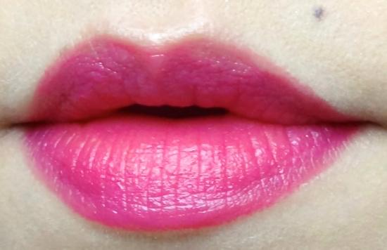 Chanel Rougel Allure Velvet La Romanesque swatch