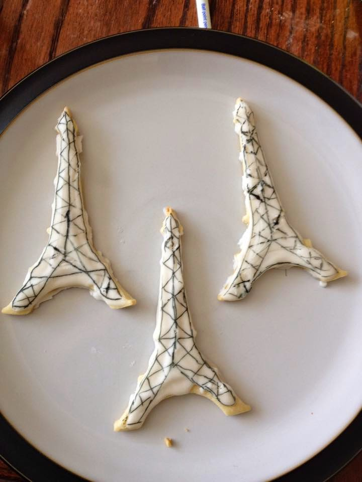 bridal shower, favours, eiffel tower, wedding shower, cookies, decorated cookies