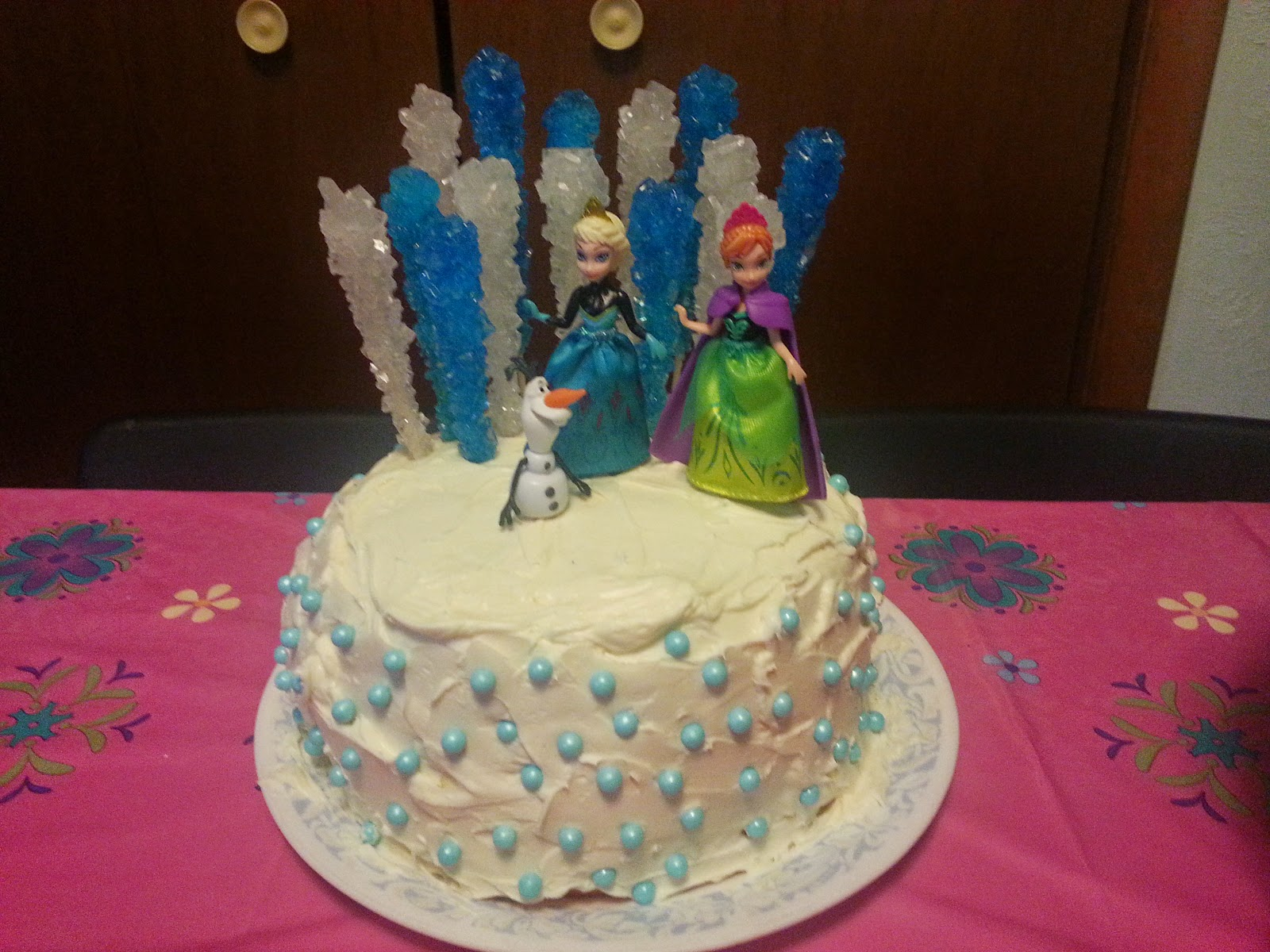 Frozen Cake Decoration Images : Taste and See God s Goodness: Frozen Birthday Party
