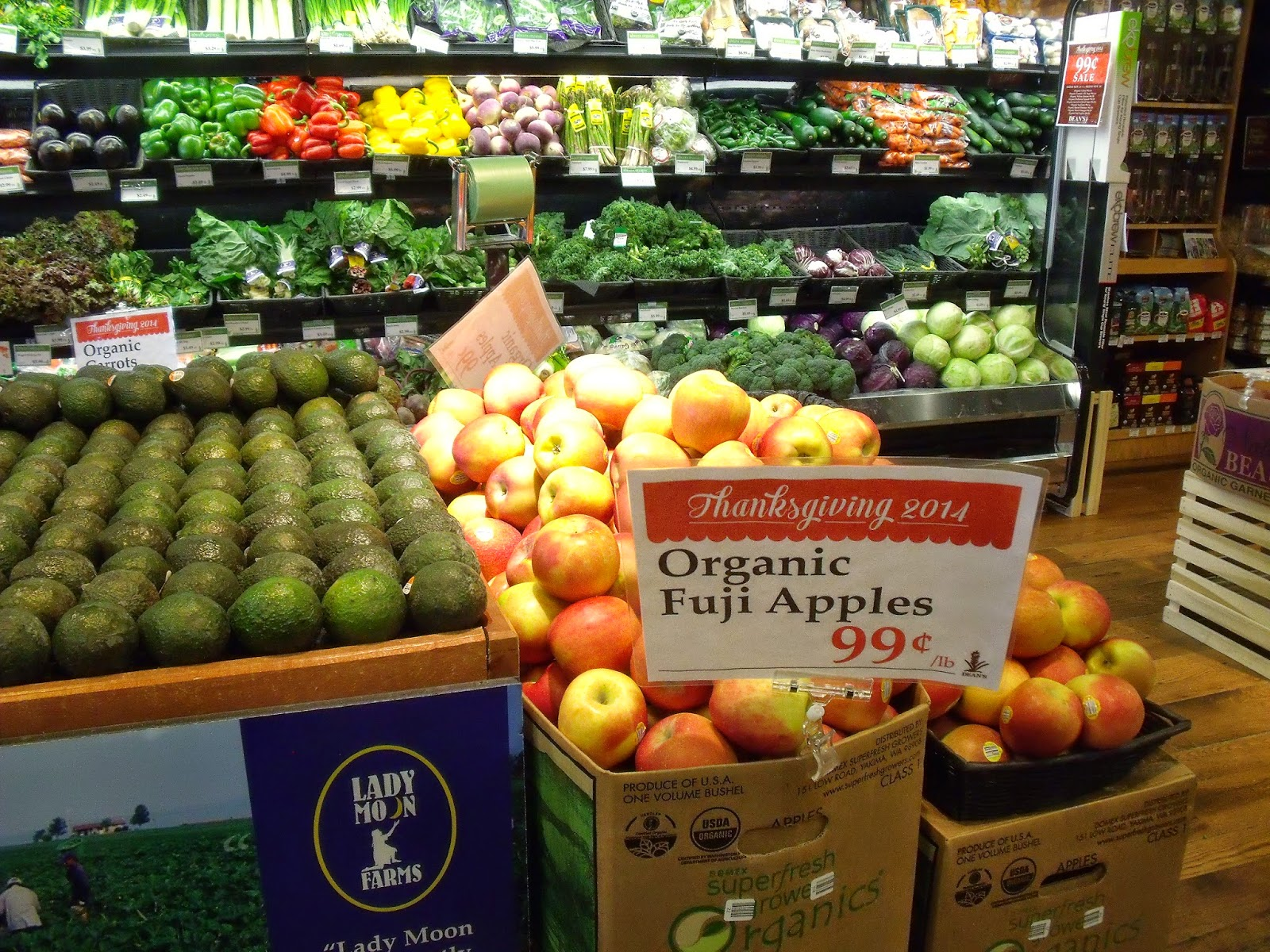 whole foods market its organic essay The year ahead could be a pivotal one for whole foods market the grocery chain is facing steep competition, and its reputation for being a wallet-buster isn't helping which likely explains the motivation behind two major efforts the company has announced to better compete in the increasingly.