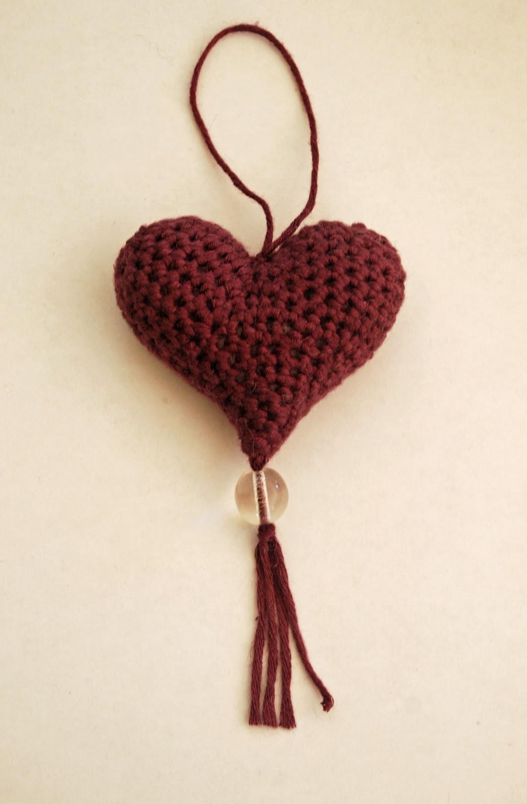Free Crochet Hanging Heart Pattern : Woolly Chic