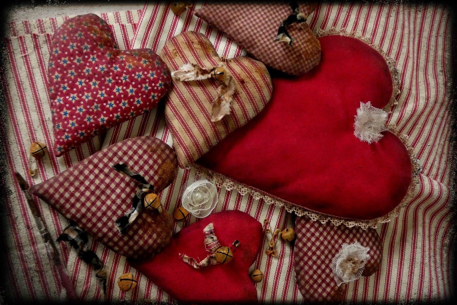 Prim Valentine Hearts