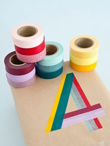 around the wedding 5 bonnes id es pour votre d co en masking tape. Black Bedroom Furniture Sets. Home Design Ideas