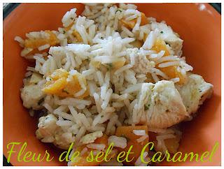 Salade de riz au poulet épicé et abricots secs