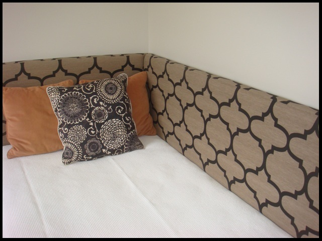 Corner Headboards : corner bed headboard ideas  - pillowsntoast.com