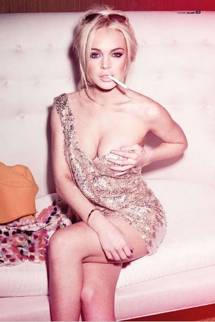 http://2.bp.blogspot.com/-5UG5W2mJM8c/TqwCNiRlDvI/AAAAAAAAAW0/RjvI__kQ6b4/s1600/Lindsay+Lohan+Boobs+Smoking+Naked+Hot.jpg
