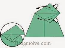 Bước 8: Từ vị trí mũi tên mở lớp giấy trên cùng ra, kéo và gấp hai lớp giấy về phía bên phải