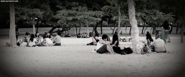 Pasando el día en la playa de Hong Kong