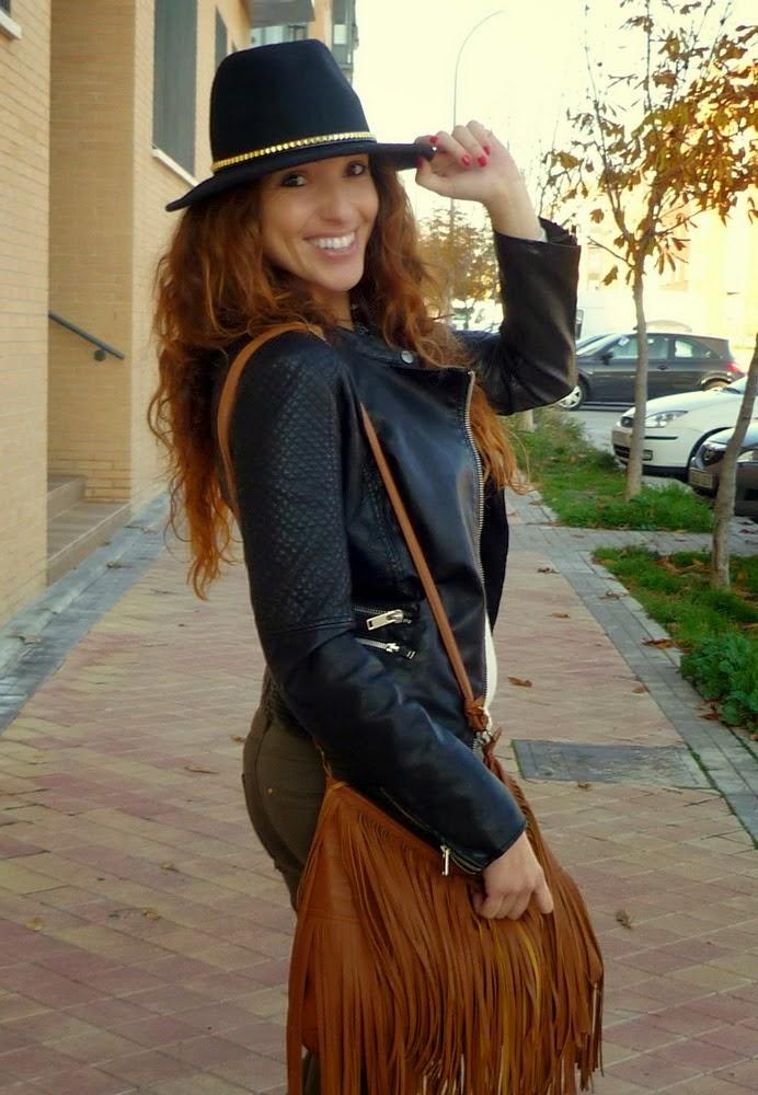 bolso flecos marrón