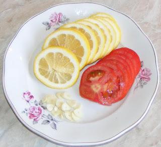 umplutura peste la cuptor, legume pentru peste, retete cu lamaie, retete cu usturoi, retete cu rosii, retete culinare, legume la cuptor,