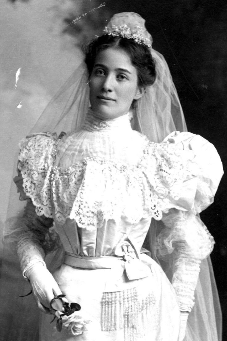 Victorian Wedding Dresses 27 Stunning Vintage Photos of Brides