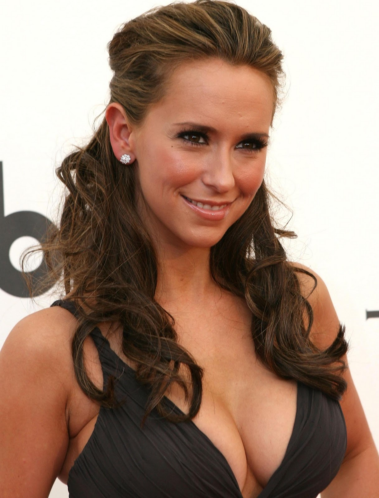 http://2.bp.blogspot.com/-5Unc78Sxn8A/TrBHB9UT75I/AAAAAAAAAYk/XsyEfZy2tqI/s1600/Jennifer_Love_Hewitt_Hot_13.jpg
