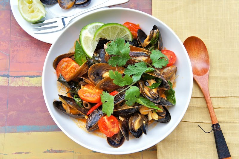 curry thai red curry mussels appetite for china thai red curry mussels ...