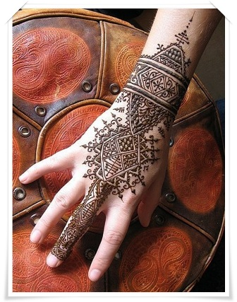 Mehandi-Designs-for-Back-side