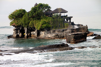 Tanah Lot Temple, Bali Indonesia
