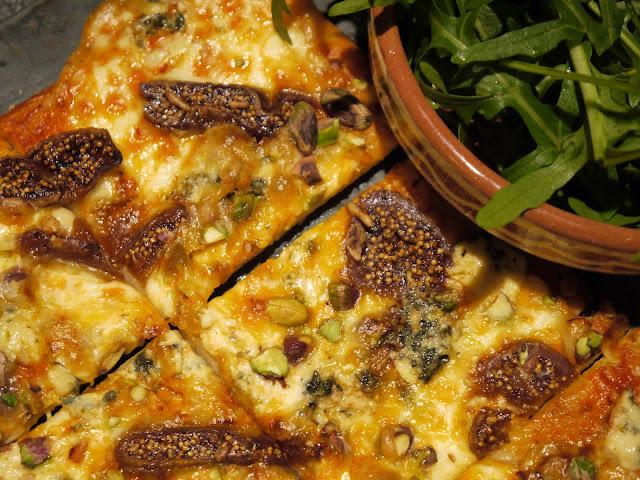 Pizza með gráfíkjum og gráðaosti