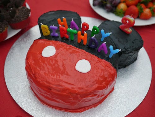 Make a Mickey Mouse Cake