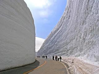 foto pemandangan salju